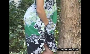 Sleeping lesbo chick slit licked01