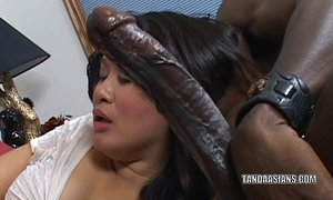 Curvy cutie kiwi ling is on her knees and engulfing jock
